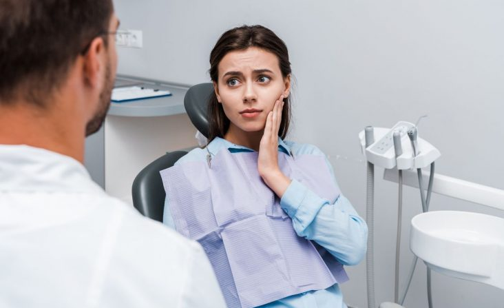 sad-woman-having-toothache